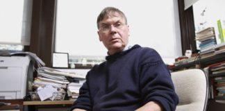 Tim Hunt no seu despacho do University College de Londres.