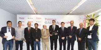 Foto de familia dos premiados, organización e patrocinadores dos premios Galicia Spin-off.