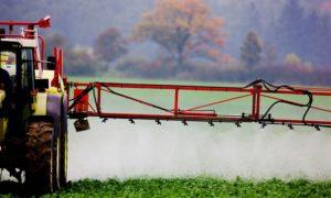 Os neonicotinoides empréganse como pesticidas agrícolas.