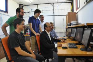 Fernando Aguado e o equipo aeroespacial de Vigo seguen o lanzamento.