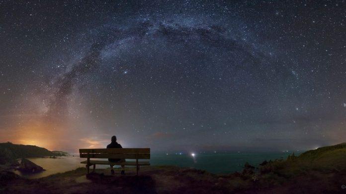 A foto de Dani Caxete premiada pola súa imaxe do ceo nocturno dende Loiba.