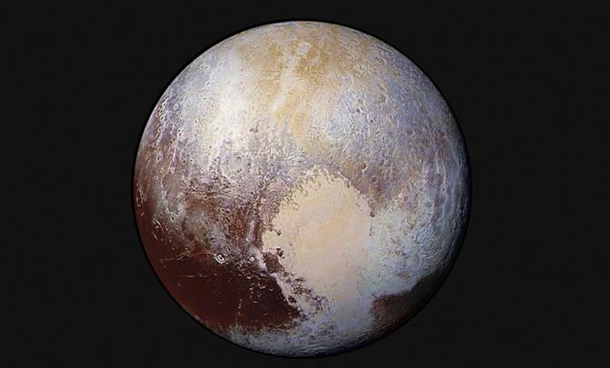 A superficie de Plutón fotografada pola sonda New Horizons.