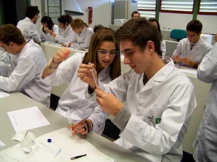 O informe revela unha alarmante eiva nas vocacións científicas en Galicia.