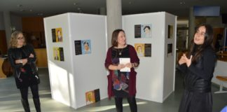 Carme Silva, Ana Jesús López e Eva Aguayo, na apertura da mostra na Biblioteca Intercentros.