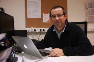 O investigador Antonio Salas, da USC.