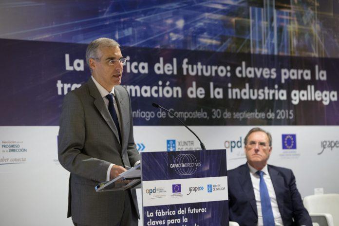 O conselleiro de Industria, Francisco Conde, presentou o concurso de ideas. Foto. X. Crespo.
