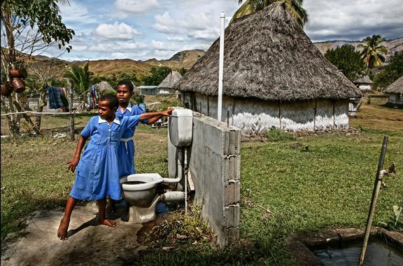 Un retrete nas illas Fidji. Axencia SINC. Fotografía de Asier Reino.