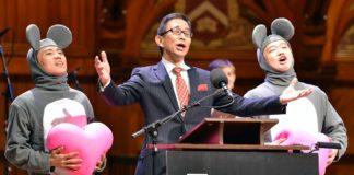 Un participante nos premios Ig Nobel ás investigacións máis disparatadas.