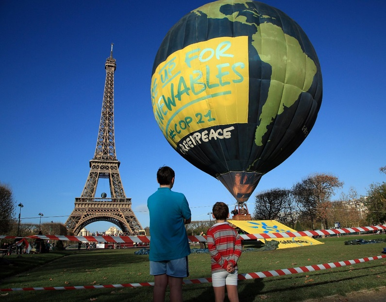 greenpeace_balloon_3