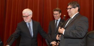 Xosé Luís Armesto, Alberto Núñez Feijoo e Julio Abalde. Foto: Xoán Crespo.