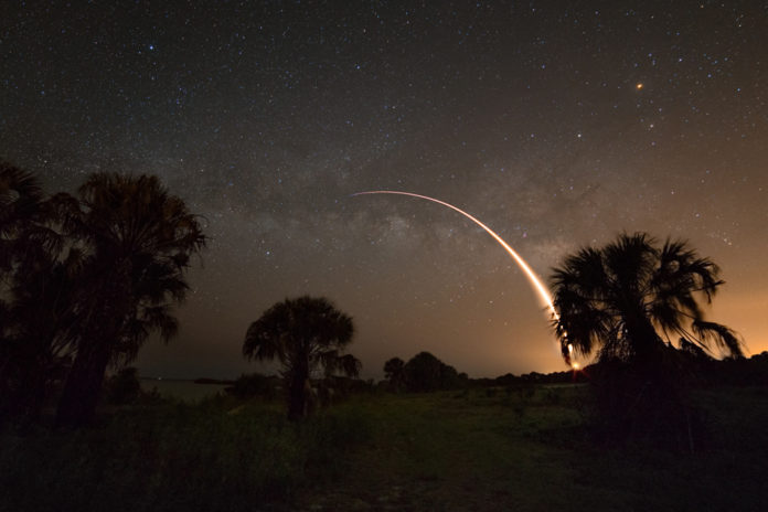 Créditos da imaxe e copyright: Derek Demeter (Emil Buehler Planetarium)