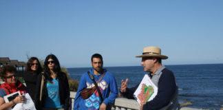 Imaxe dunha das excursión organizadas noutra edición do Xeolodía, nesa ocasión en Oia.