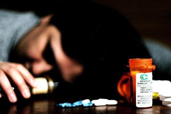 A mestura de alcol e cocaína aumenta o risco de suicidio.