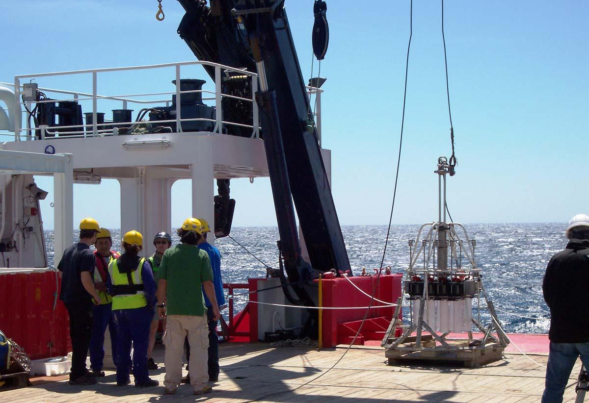 Investigadores da UVigo, CSIC e Ifremer percorrerán o océano a bordo do Sarmiento de Gamboa.