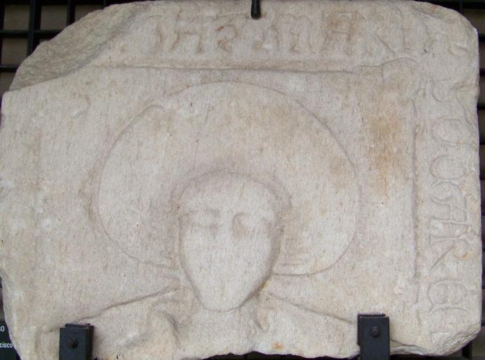 Unha das laudas, pertencente a María Socare, que foi atopada no convento coruñés de San Francisco.