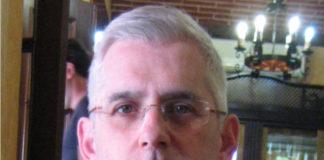 José Luis Miramontes dirixe o Instituto de Física de Altas Enerxías da USC.