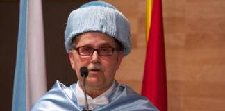 Agustín Fernández Paz no acto de investidura como Doutor Honoris Causa en 2013.