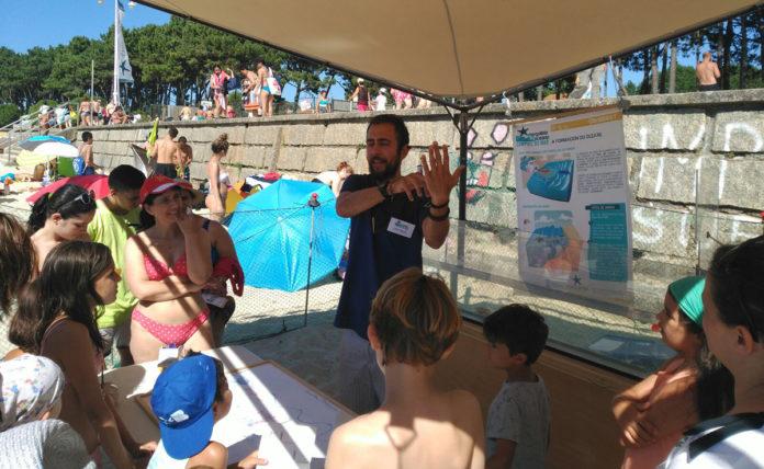 Unha das demostracións que os encargados de Mergúllate no Océano fixeron en Samil /DUVI.