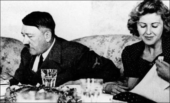Traudl Junge con Hitler.