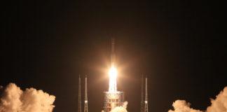Lanzamento do foguete chinés Larga Marcha-7 o pasado 25 de Xullo.