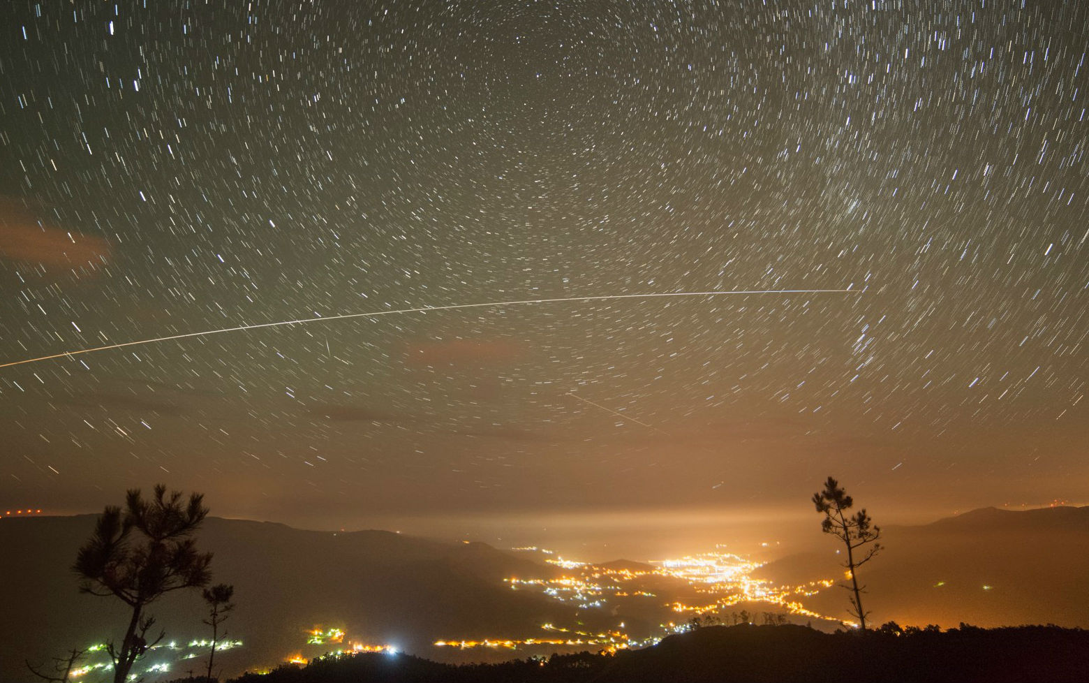 A Estación Espacial cruza Viveiro. Foto: Dani Caxete.