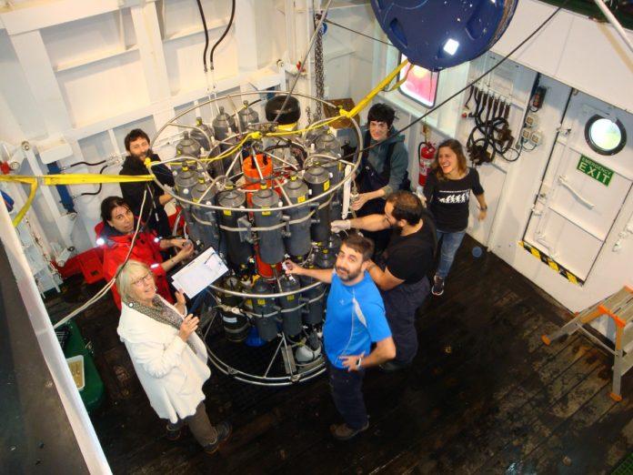 Persoal científico a bordo do 'Sarmiento de Gamboa'.