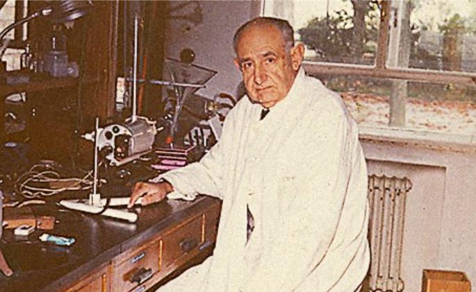Ribas Marqués fundou a Escola Compostelá de Produtos Naturais, de sona internacional.