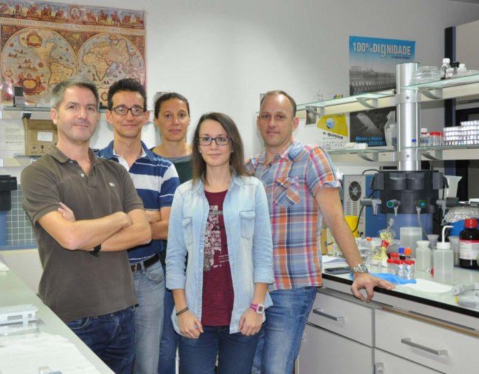 Investigadores de Química Coloidal da UVigo que asinan o artigo.