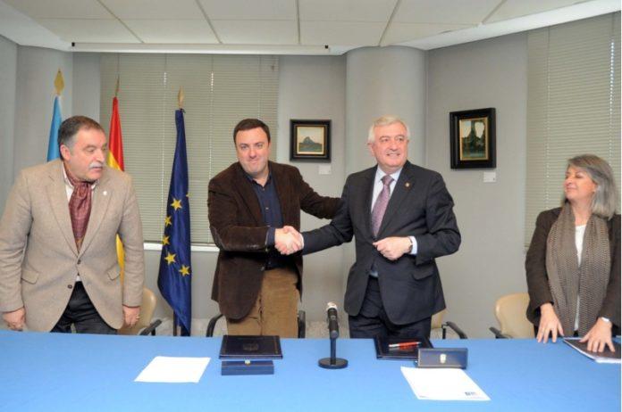 O reitor Juan Viaño e o presidente da Deputación da Coruña, Valentín González.