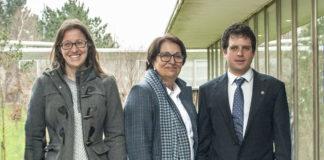 Daniel Arenas, xunto as directoras da súa tese,María Luisa Andrade e Flora Alonso.