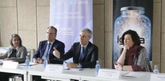 Isabel Rodríguez-Moldes, da USC, José María Arias, da Fundación Barrié, o conselleiro Francisco Conde e Asunción Longo, da UVigo. Foto: Xunta.