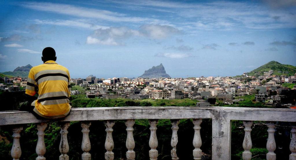 Vista da vila de Asomada, na illa de Santiago (Cabo Verde).