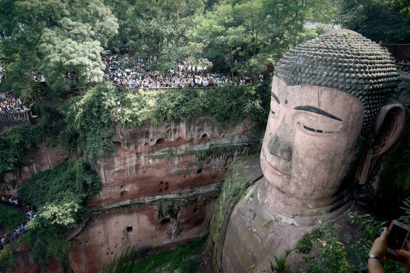 Enorme estatua en China.
