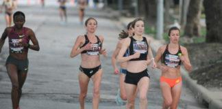 Completar un maratón require unha preparación física importante, que ás veces non é suficiente. Foto: Ed Uthman.