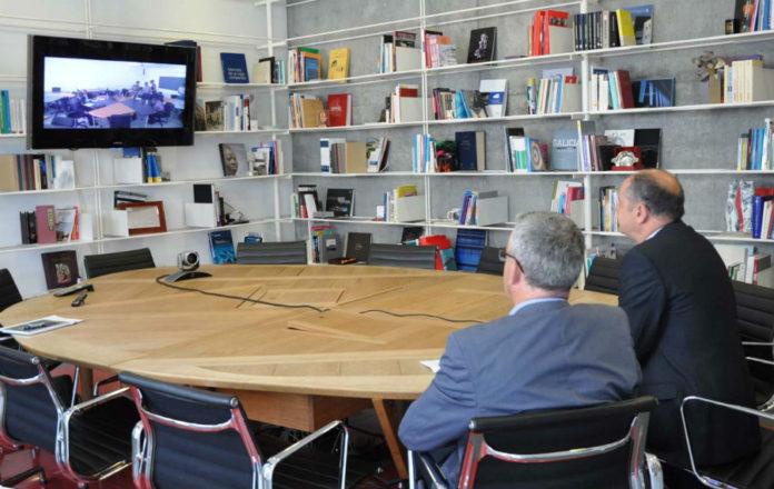 Videoconferencia entre os represetantes da UVigo e Cabo Verde. Foto: Duvi.