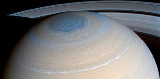 Créditos a imaxe: NASA, JPL-Caltech, SSI; Procesado: Maksim Kakitsev