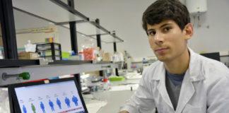 O investigador da Facultade de Ciencias Anxo Carreira. Foto: Duvi.