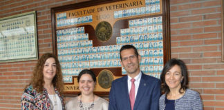 De esquerda a dereita, Quiroga, De Azevedo, Barreiro e Vázquez, na Facultade de Veterinaria da USC. Foto: USC.
