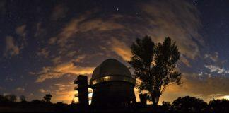 Vista do observatorio de Byurakan, en Armenia. Foto: Babak Tafreshi.