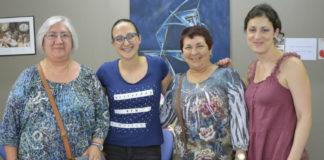As investigadoras, xunto a dúas das participantes no proxecto. Foto: Duvi.