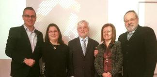 Ainara Duque (segunda pola esquerda), xunto ao director da súa tese, Joaquín Dosil (esq.) e os membros do tribunal. Foto: Duvi.