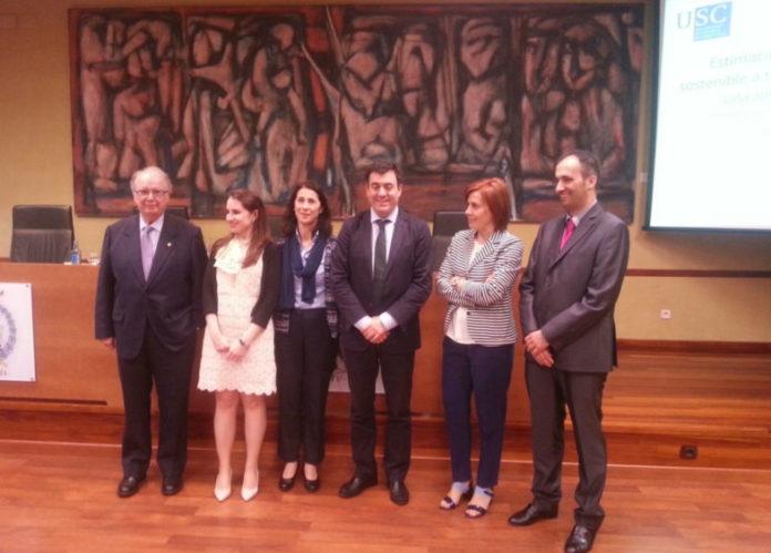 Román Rodríguez (centro), conselleiro de Educación e profesor da USC, presidiu o tribunal. Foto: USC.