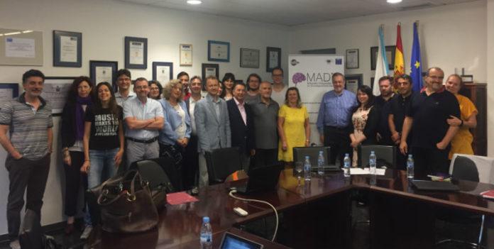 Participantes na reunión do proxecto Madia en Santiago. Foto: Idis.