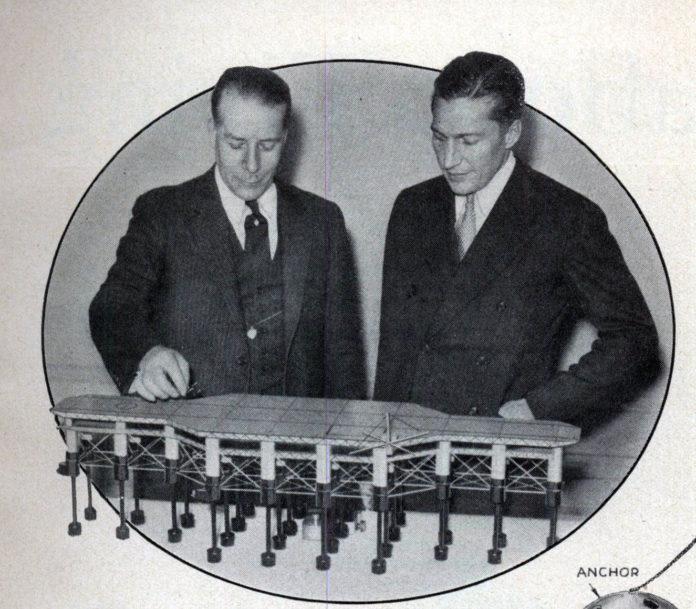 Armstrong (esquerda) coa maqueta dun Seadrome.