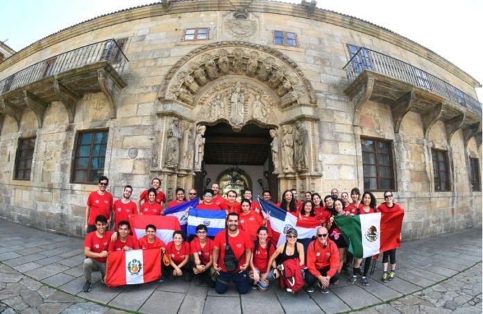 Chegada a Santiago dos participantes en Spinway 2017. Foto: USC.