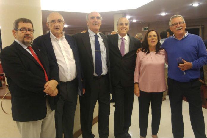 Directores do centro en diferentes etapas asistiron á celebración. Foto: IEO.