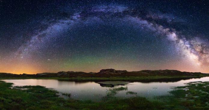A ausencia de contaminación lumínica permite observar ceos estrelados na Veiga. Imaxe: Destino Turístico Starlight Trevinca.