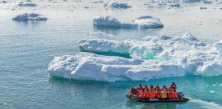 """Foto de portada do libro """"A aventura da ciencia na Antártida""""."""