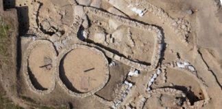 Escavación do Monte do Castro, en Ribadumia. Moitos xacementos non conservan restos óseos.