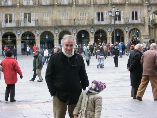 O pai de Nadia, quen argallou un ronsel de mentiras sobre a súa nena.